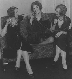 flappers 1920 smoking - photo #10